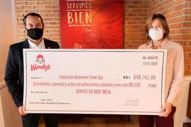 """Wendy's entrega donativo a Fundación """"Quiéreme como soy"""""""